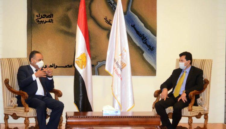 محمود صقر ووزير الشباب